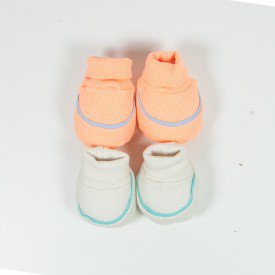 kit par de meia e luva de bebe menino bege e laranja sir 29